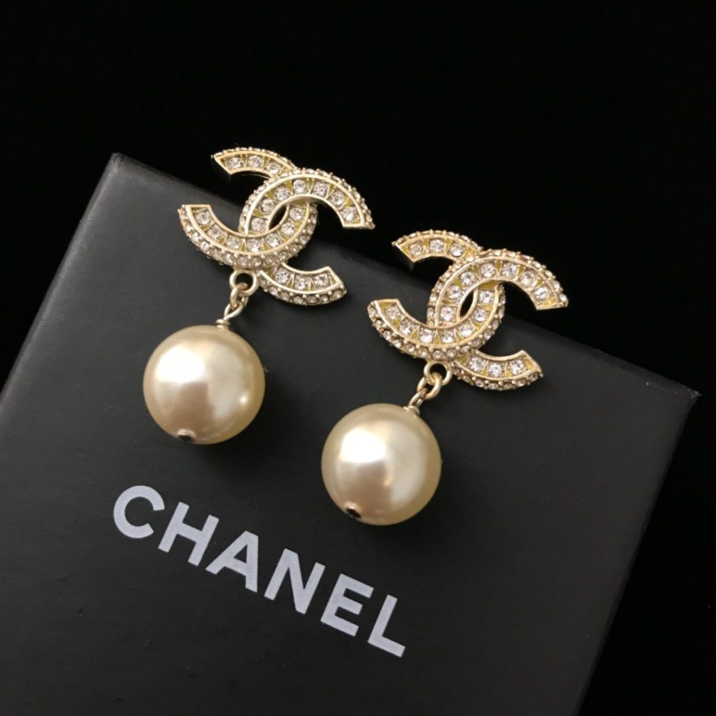 Women Chanel Cc Stud Earrings