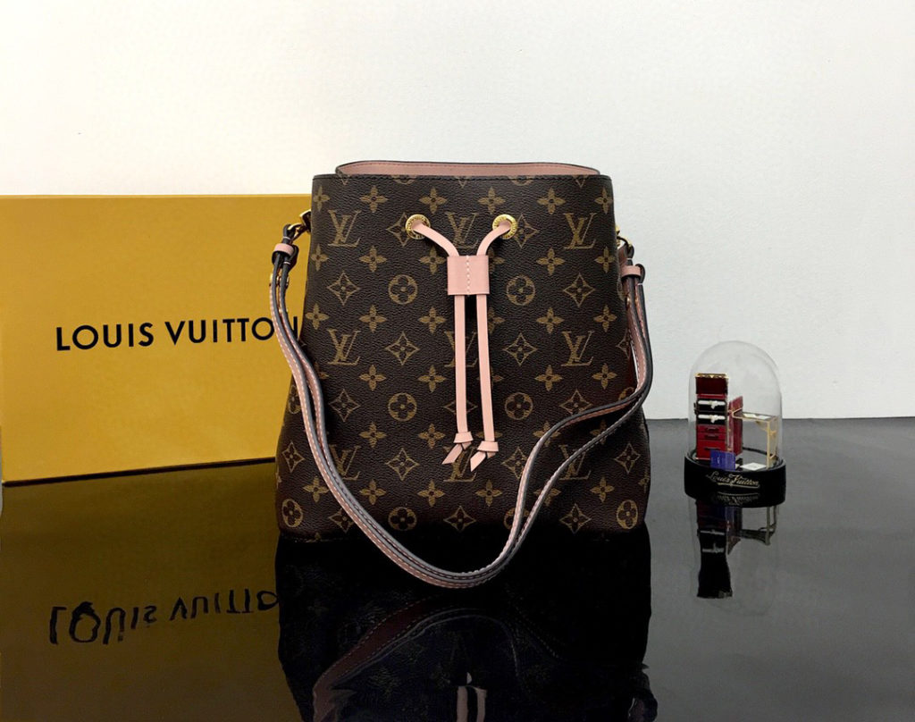 LOUIS VUITTON NéoNoé MM Monogram Canvas Handbags