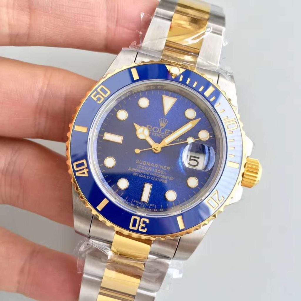 Rolex Submariner Date Watch: Yellow Rolesor - combination of Oystersteel and 18 ct yellow gold - M116613LB-0005