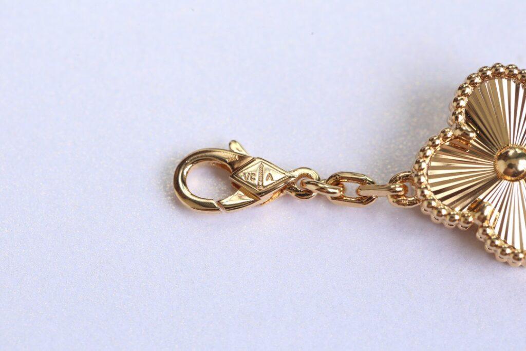 VCA Alhambra bracelet yellow gold