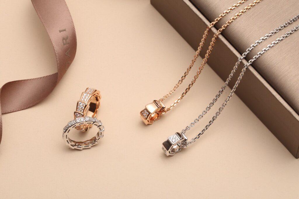 Bvlgari Serpenti Viper necklace and ring set pavé diamonds