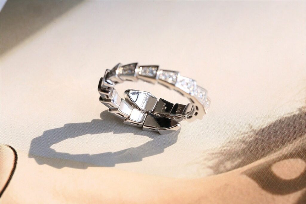 Bvlgari Serpenti ring set with pavé diamonds
