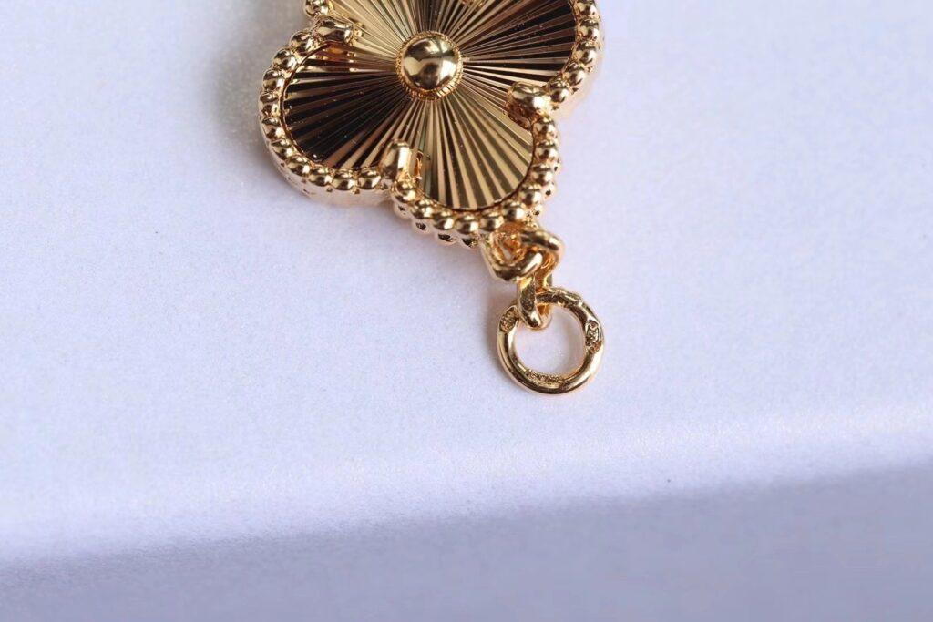 VAN CLEEF Vintage Alhambra bracelet, 5 motifs Yellow gold