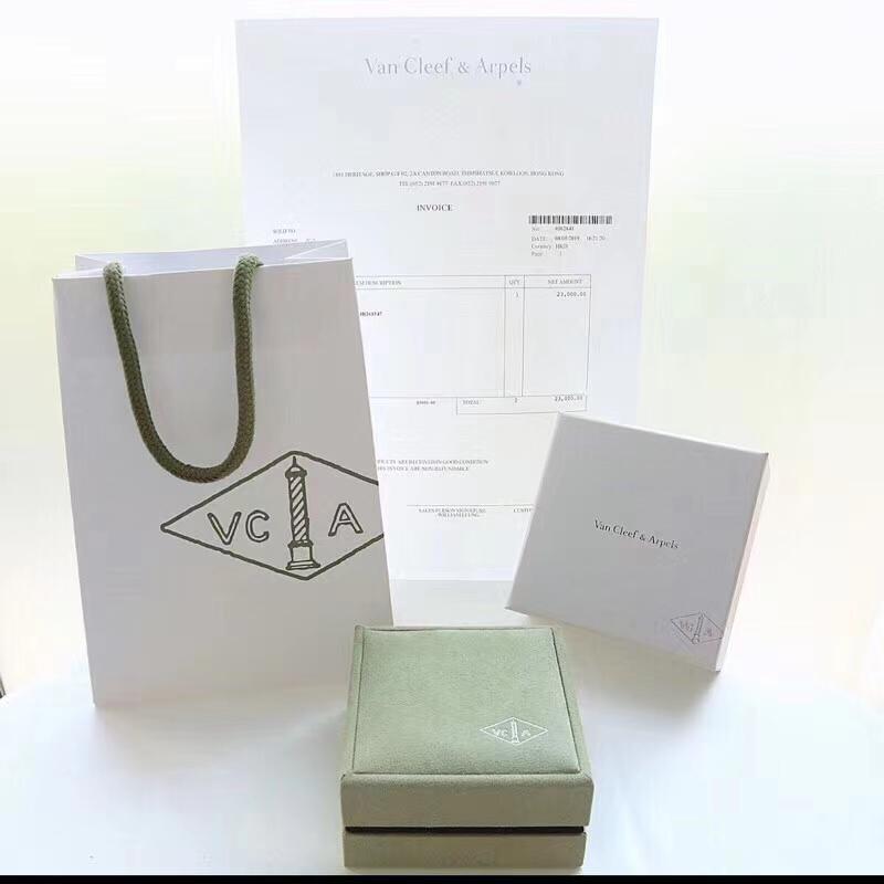 Van Cleef & Arpels box packaing. real 1:1 quality