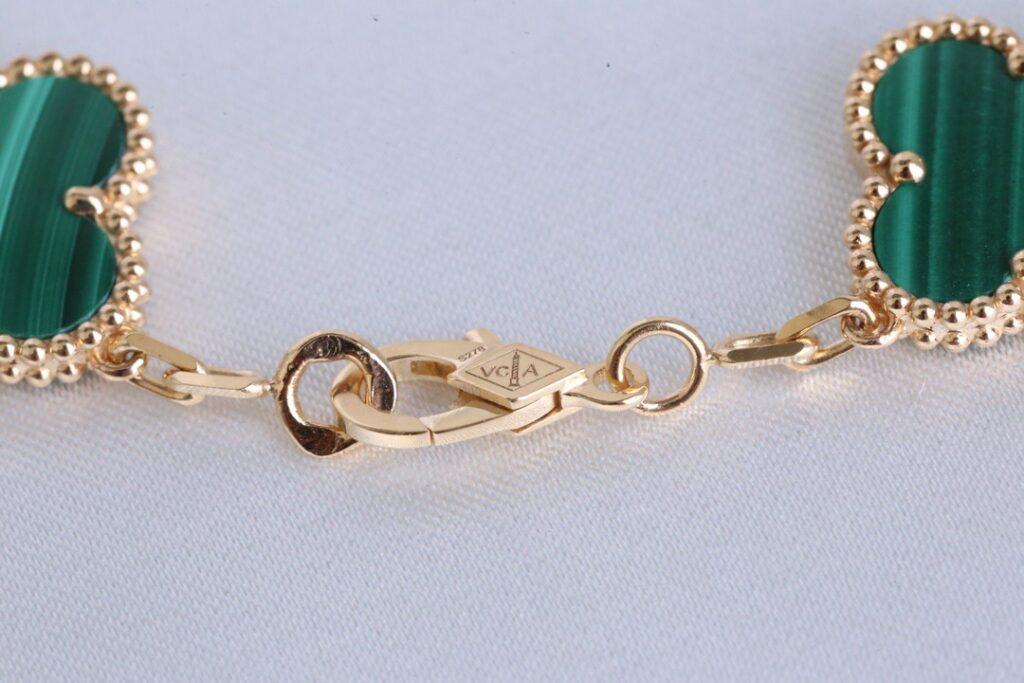 Van Cleef bracelet Yellow gold. Diamond 5 motifs Malachite Vintage Alhambra