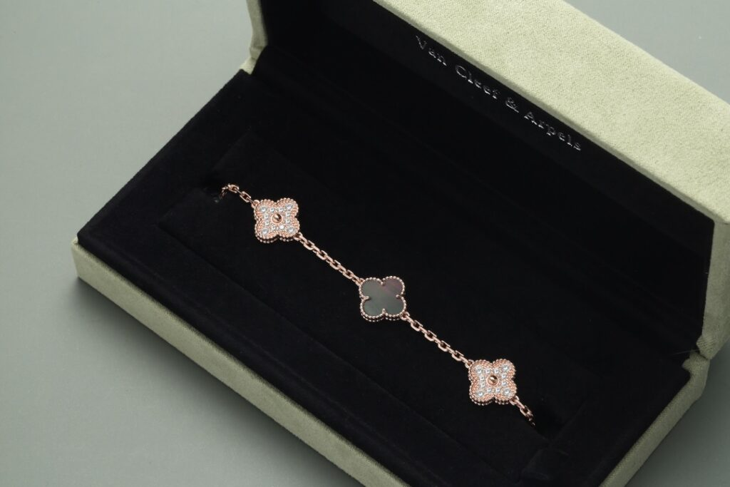 VCA Vintage Alhambra Bracelet 5 Motifs Gray Mother-of-Pearl Rose Gold Diamonds